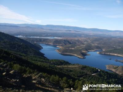 Embalse de el Atazar- Senda Genaro; vacaciones senderismo; viajes noviembre